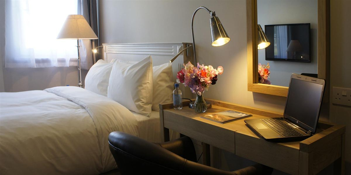 monmouth accommodation - The Abergavenny Hotel